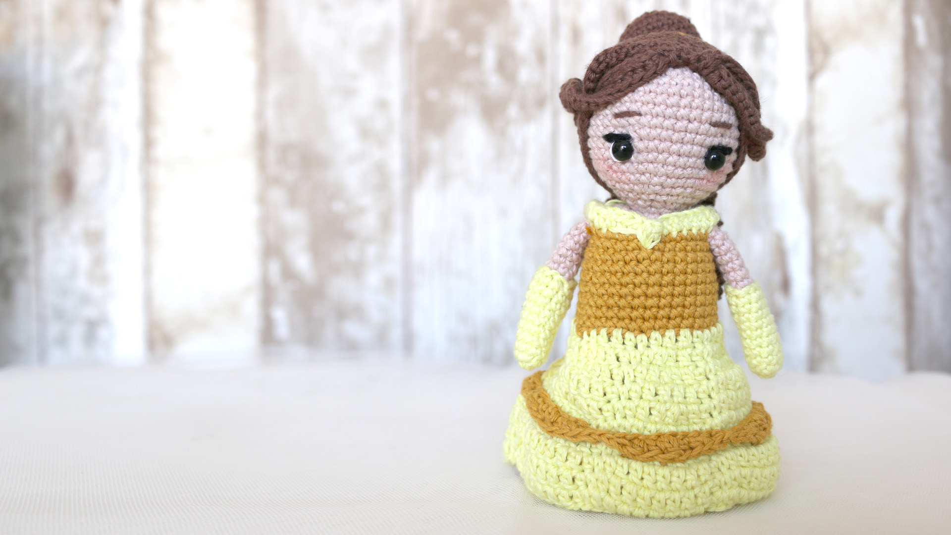 bella princess disney amigurumi free pattern with video tutorial