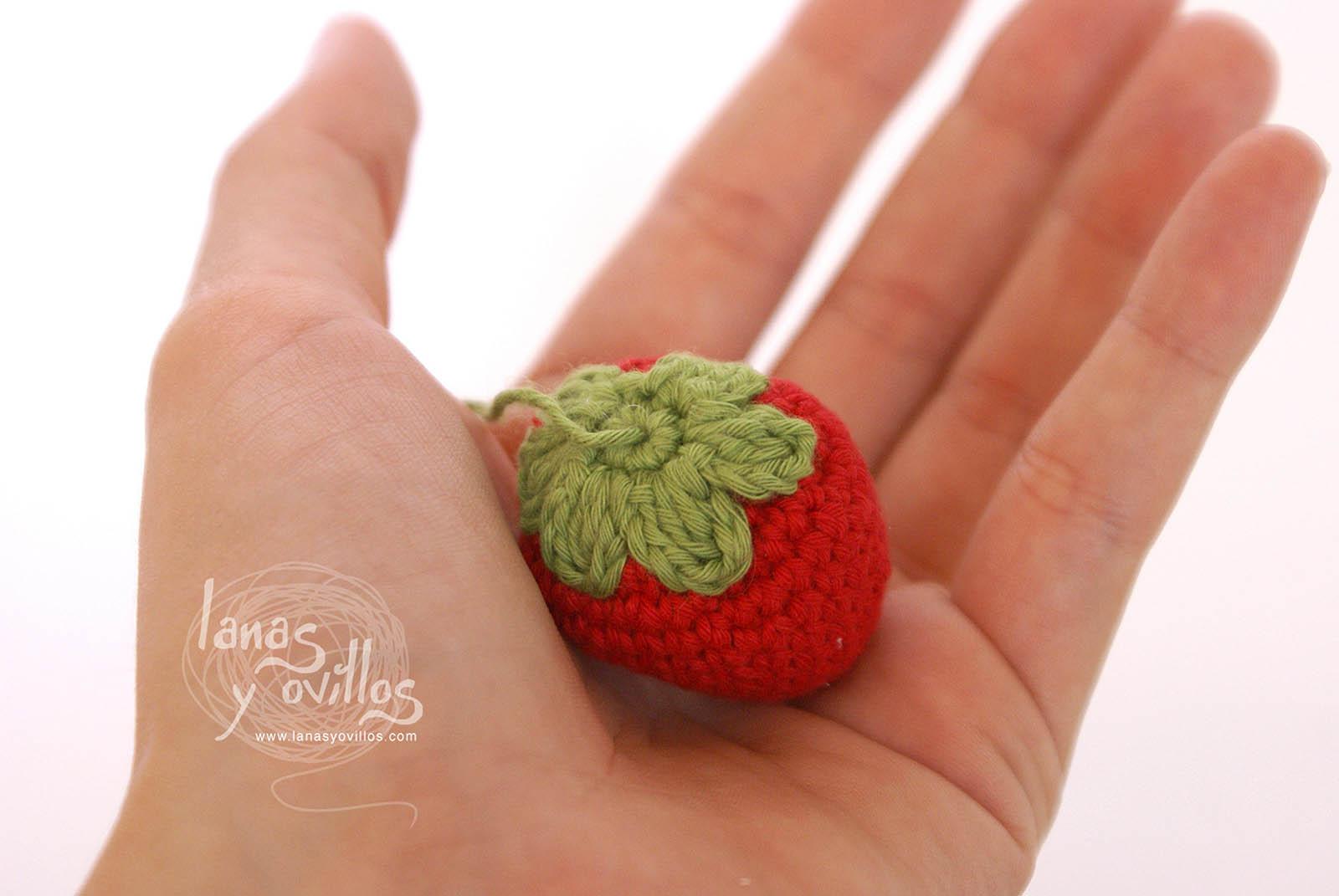 strawberry amigurumi free pattern