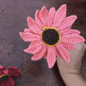gerbera crochet flower free pattern
