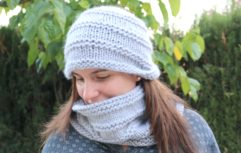 knitting hat and circular scarf free pattern with video tutorial