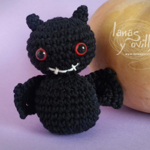 bat crochet amigurumi halloween free pattern