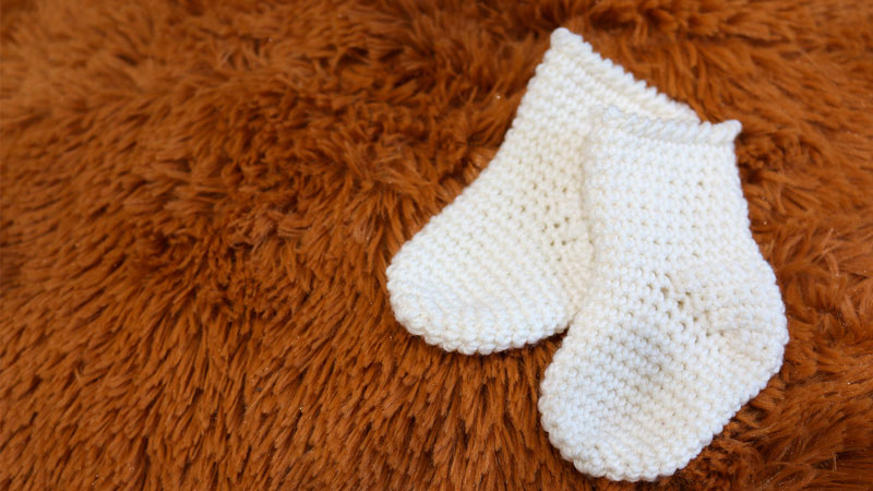 super easy newborn baby crochet socks free pattern