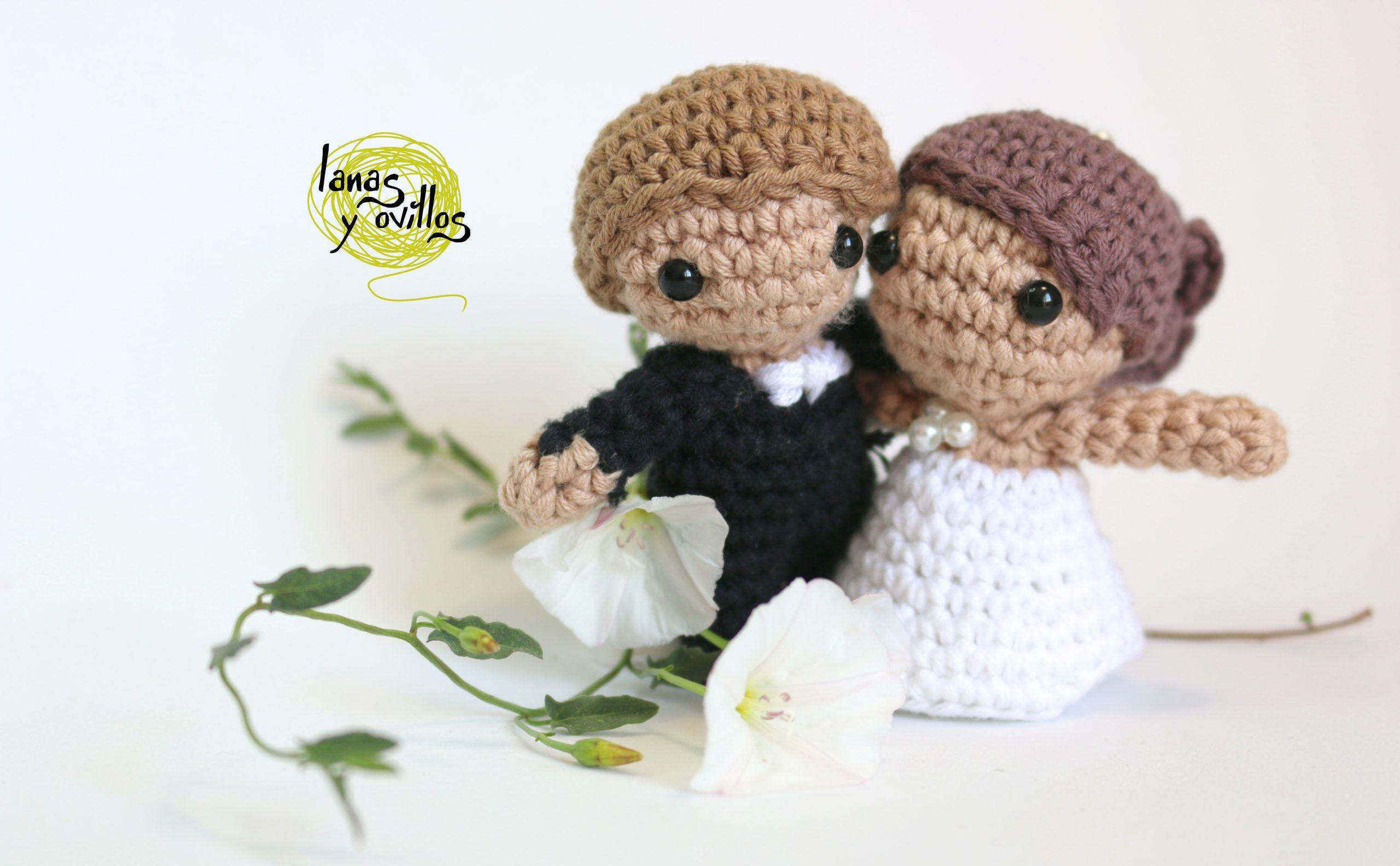 wedding detail amigurumi crochet groom and bride