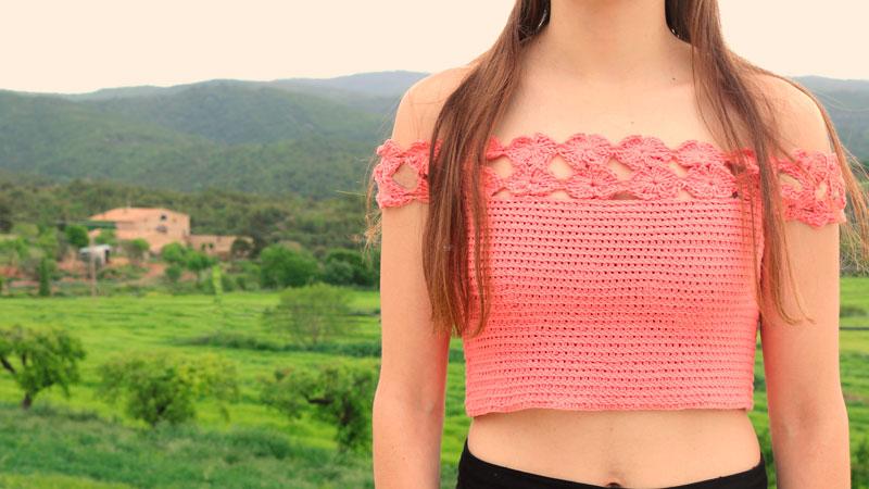 flowers crop top free crochet pattern